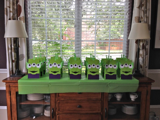 Toy Story Birthday Party - TheDustyParachute.com