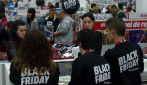 black-friday-2016-ps4-slim-xbox-one-s-discounts-50