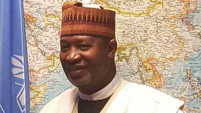 Hadi sirika Breaking: COVID-19: UK company caught operating commercial flights into Nigeria