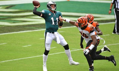 Doug Pederson says benching Carson Wentz would be a knee-jerk reaction