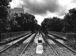 Crossing the bridge to the Gare de la rue Claude-Decaen station