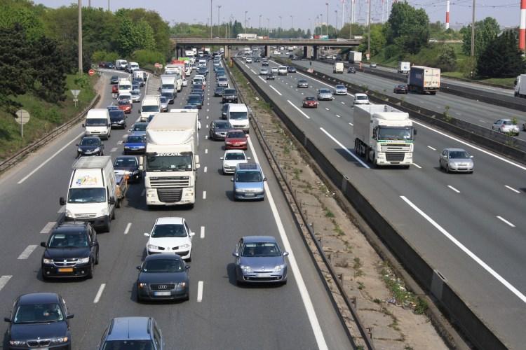 Highway_A6_France_2011_08.jpg