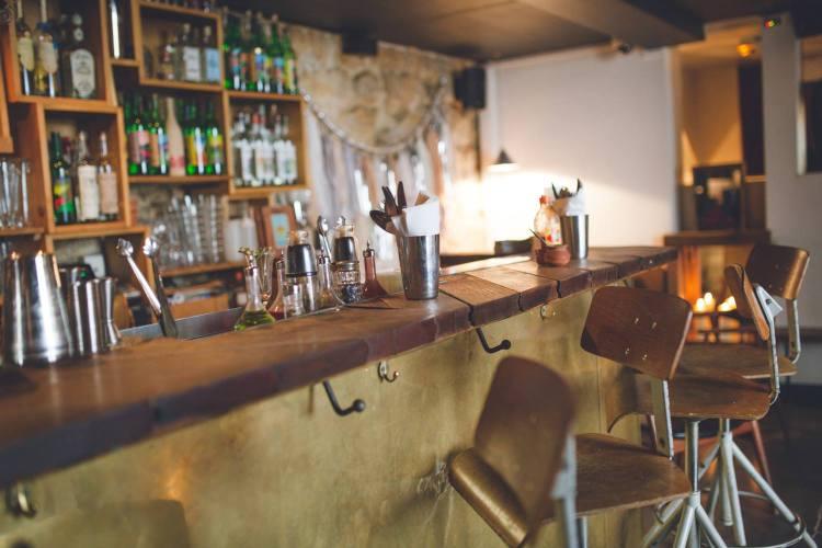 Speakeasies: The top ten hidden bars in Paris - The Earful Tower