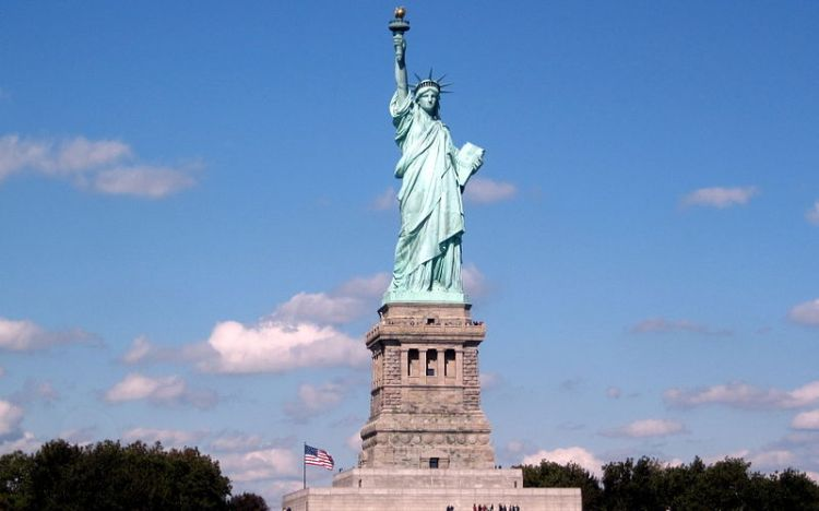 800px-Statue_of_Liberty_National_Monument.JPG