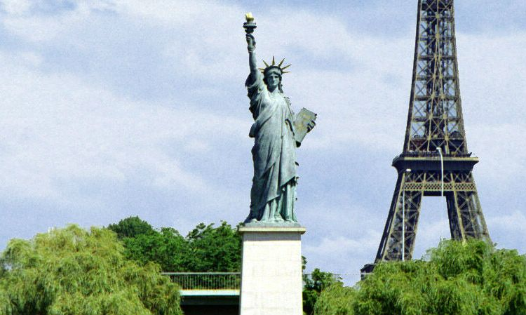 Did you know there are five Statue of Liberty replicas in Paris? - The  Earful Tower