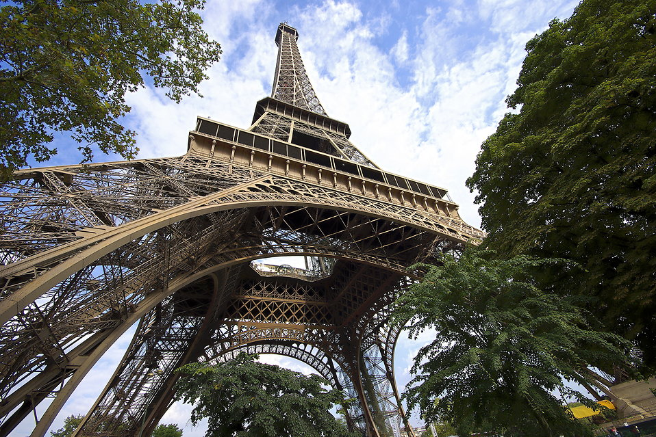 The 7 wonders of Paris (in seven live videos)