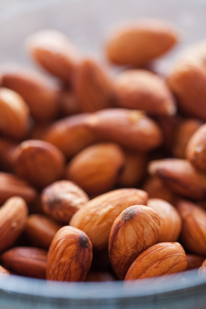 How to make Almond Milk, Meal and Flour