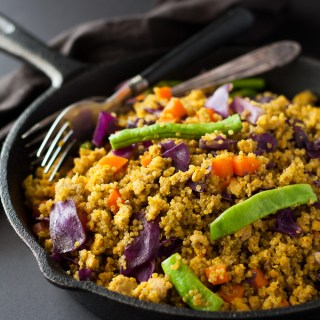 What's not to love about healthy one dish meals, they are so easy and this Chicken Turmeric Quinoa can be made in 30 mins.