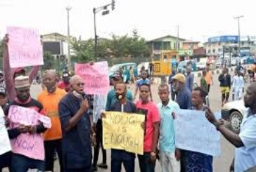 Protesters march in Osun over electricity tariff, fuel price hike