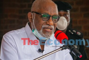Knocks as Akeredolu purchases N1.2 billion cars for state lawmakers