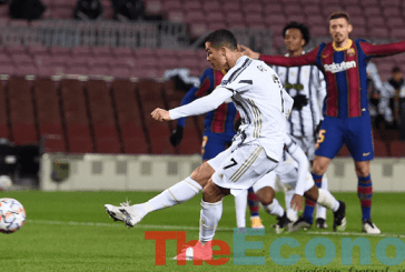 Ronaldo scores twice as Juventus beat Messi's Barcelona
