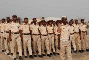 Buhari  urges immigration service to tighten security around borders
