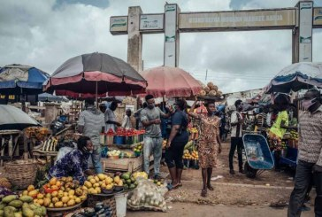 Nigerians grapple with stagnant earnings, inflation