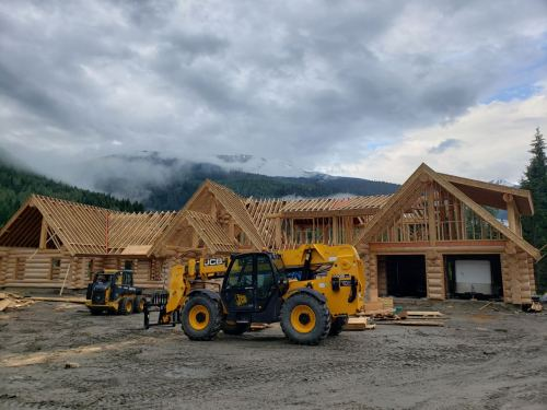 Consult at this epic log home with Mac Dog Construction