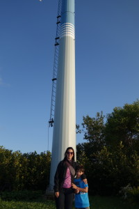 The Educational Tourist with boy at light pole in Canada, Canada Travel Itinerary, www.theeducationaltourist.com