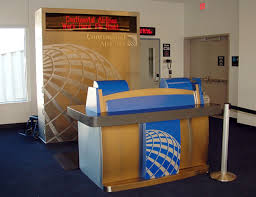 Continental Airlines gate at airline, Trip Planning Travel Technology, www.theeducationaltourist.com
