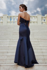 Woman in Evening gown, Pack Light - Travel Chic with KIDS, www.theeducationaltourist.com