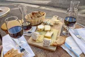 wine and cheese, Visit Paris with a Tween, www.theeducationaltourist.com