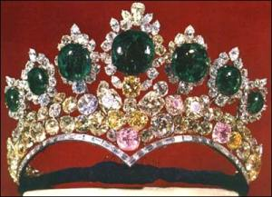Crown Jewels in Tehran_Tiara of Farah