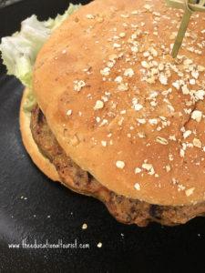 Veggie burger, Hilton Waikaloa Village, www.theeducationaltourist.com