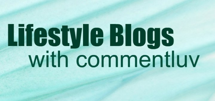 """Teal background with text """"Lifestyle Blogs with commentluv"""""""