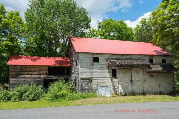 roadside-barn