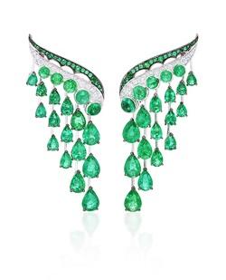 Vanleles emerald earrings