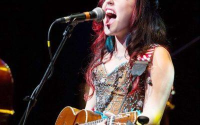 EmiSunshine, 13, sings beyond her years at The Palms