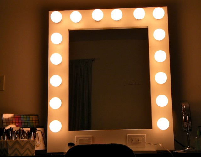 Hollywood Makeup Mirrors With Lights