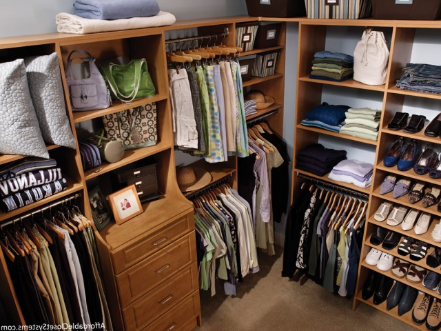 Walk In Closet Organizers