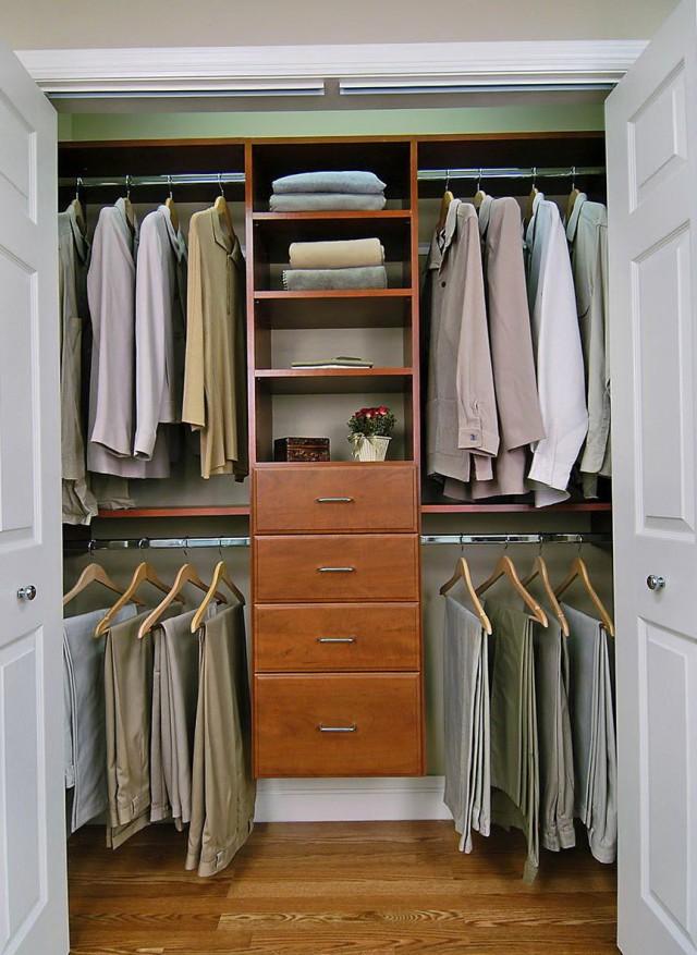 Small Walk In Closet Organization