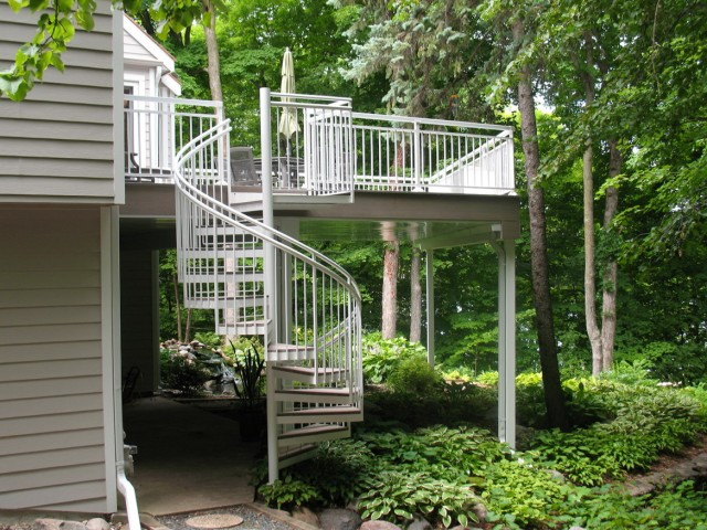 Best Decking Material For Florida