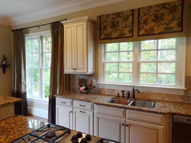 Small Curtains For Kitchen Windows