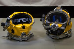 Diving helmet for underwater welding