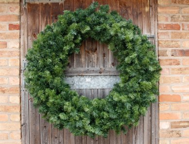 Our Wreaths are formed on either single or double welded rings of Sheffield steel.