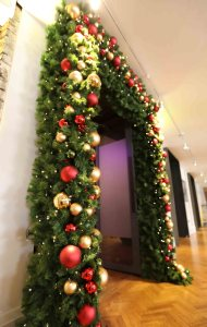 Christmas garlands door decoration - curious events