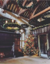 Imaginative use of Christmas wreaths by frog Flowers at Haddon Hall