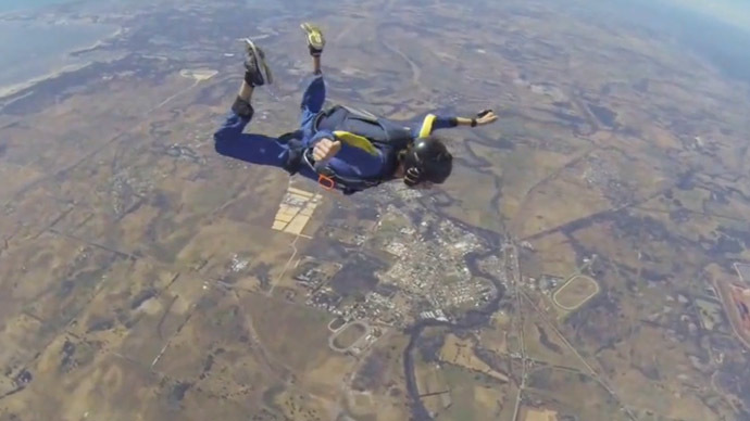 skydiving-student-seizure-saved.si