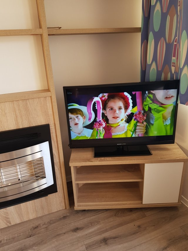 the tv in the lodge