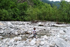 The trek path passes through Lakshman Ganga enroute Ghangaria