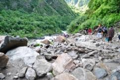 Trek between Gobindghat and Ghangaria