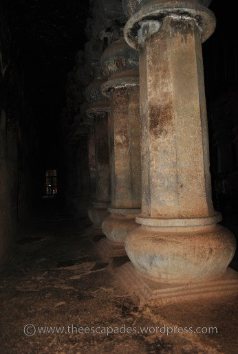 Row of Pillar and the aisle