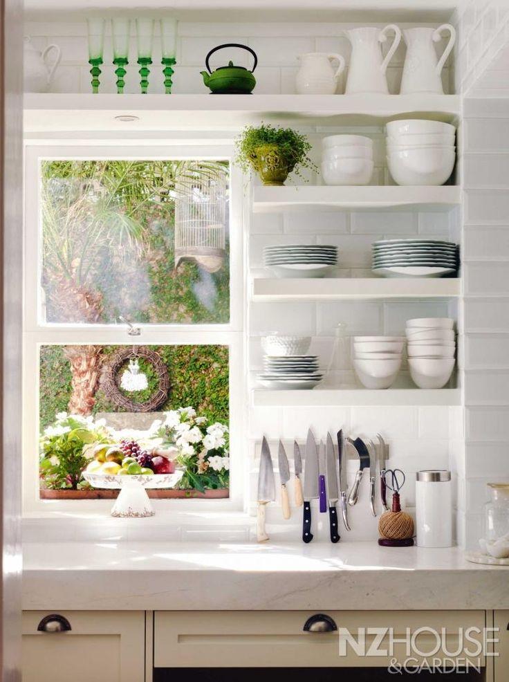 open shelves kitchen2
