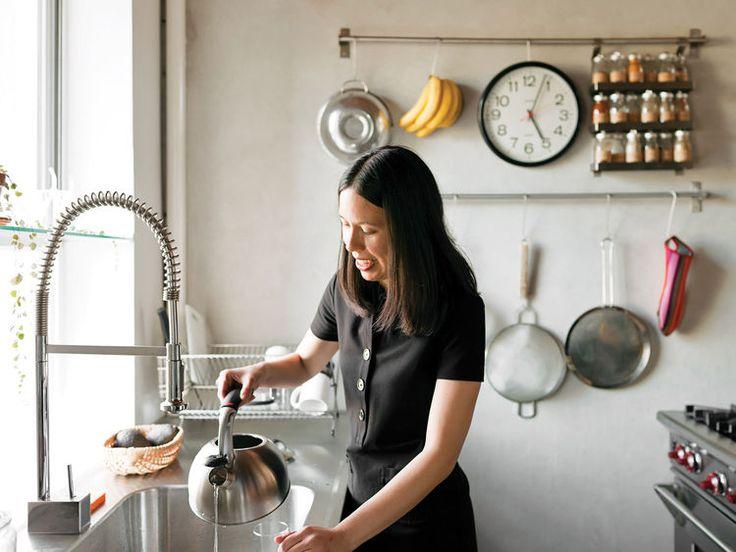 Kitchen Pot Rails - nice faucet