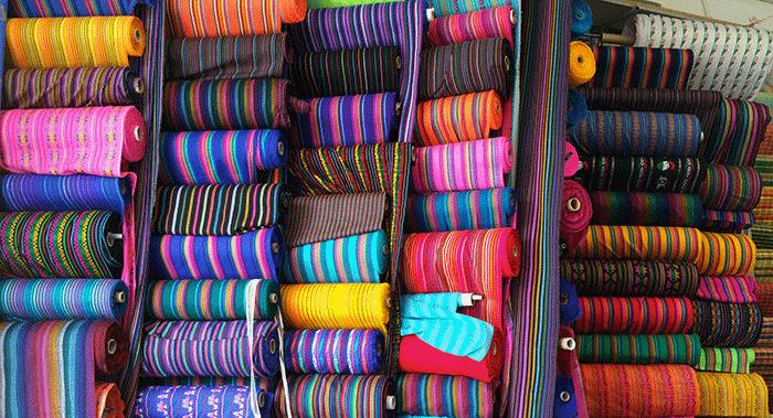 Peruvian-in-the-fabric-district-of-la