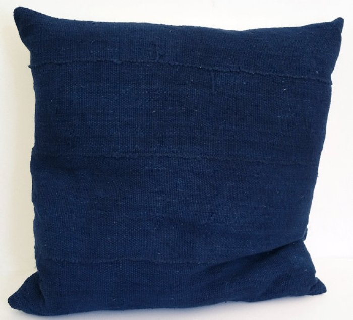 TEOT solid indigo pillow