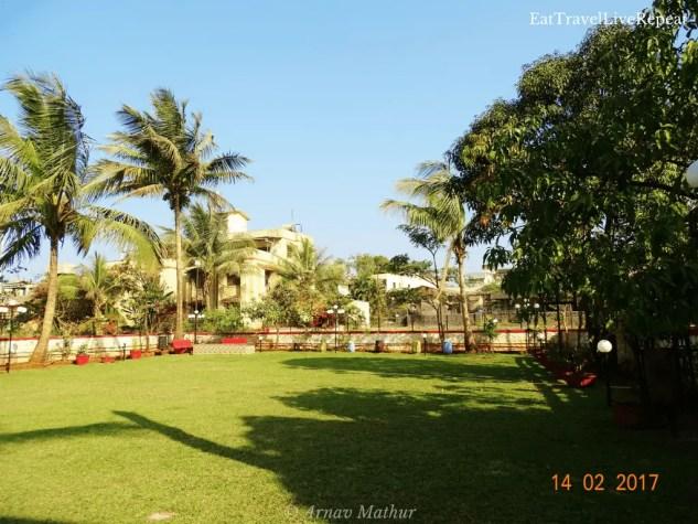 weekend in Lonavala house of bliss lawn