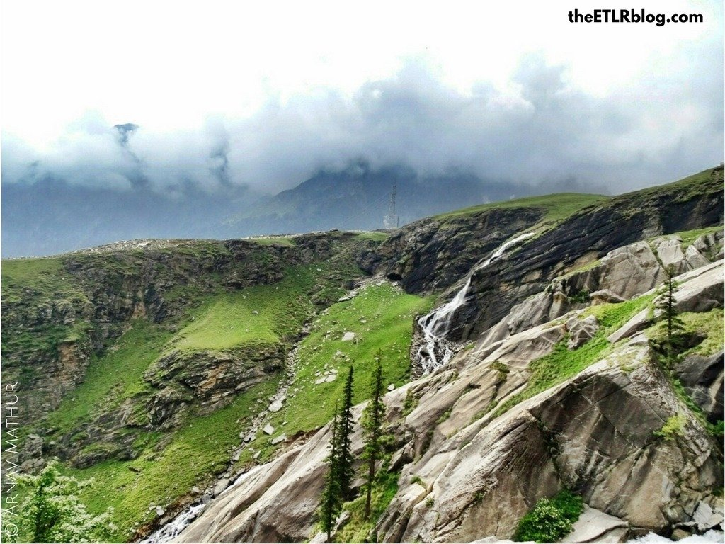 Lush Green Mountains enroute Rohtang La Pass