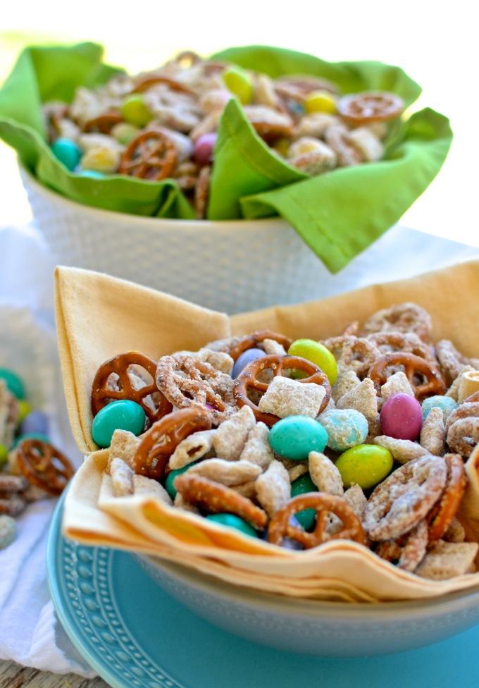 White Chocolate Peanut Butter Muddy Buddy Snack Mix   www.theeverykitchen.com