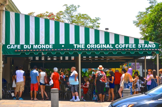 Cafe du Monde, New Orleans | Danielle Does New Orleans! | theeverykitchen.com